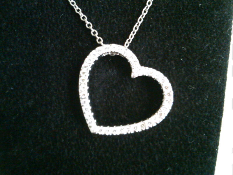 21 DIAMOND Heart Pendant w chain 1850